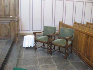 Luthesre kerk trouwstoelen